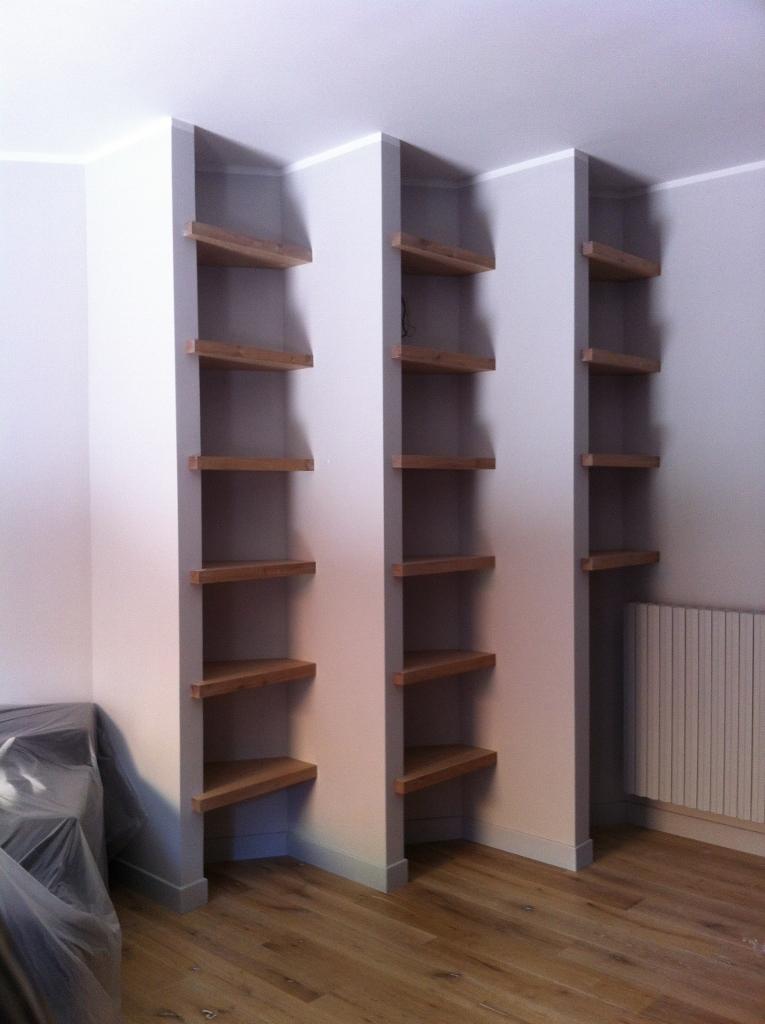 Libreria a muro libreria a muro moderna in legno for Libreria sospesa a muro