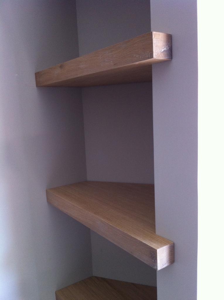 Librerie a muro bunny libreria moderna a muro in legno for Libreria a muro bianca